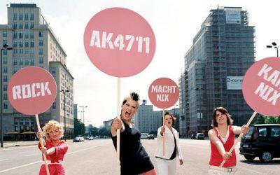 AK 4711